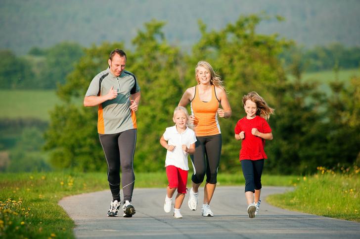 Tập thể dục thường xuyên giúp cơ thể khỏe mạnh và tăng hưng phấn, thoải mái tinh thần hơn.