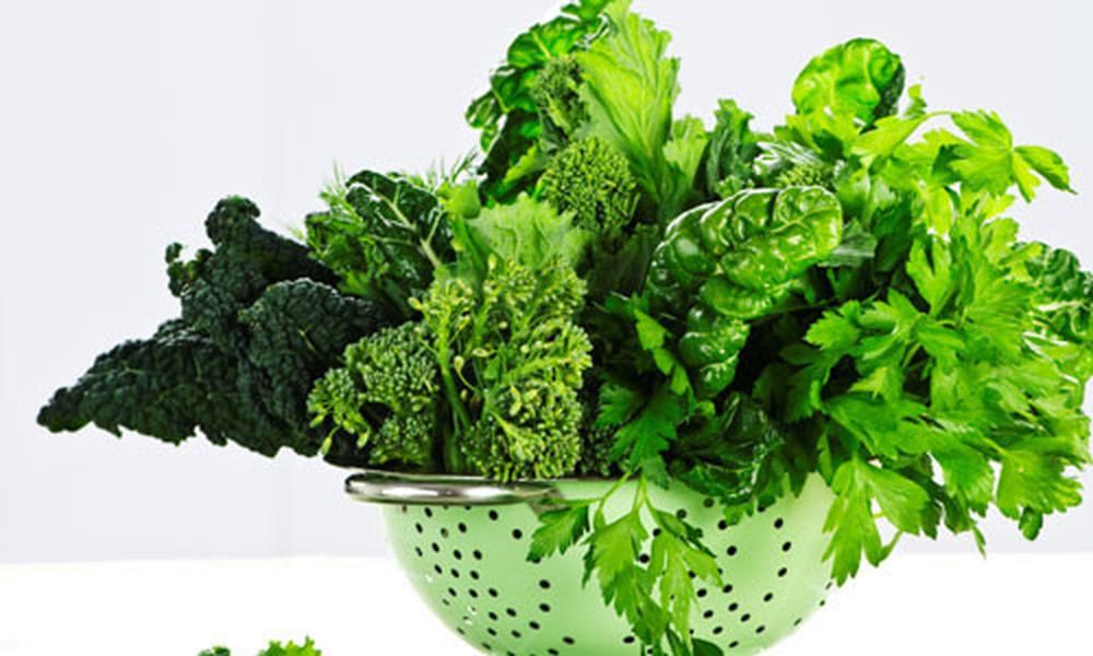 Màu xanh và hình dáng của rau giống như tiền giấy, là biểu tượng của sự giàu có, khỏe mạnh