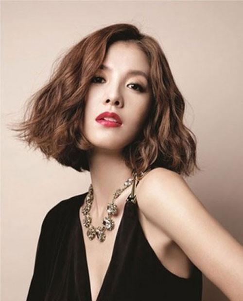 """""""Sốt bần bật"""" với 4 kiểu tóc rẽ ngôi giữa Hàn Quốc đẹp cho nữ 2018 - Ảnh 10"""