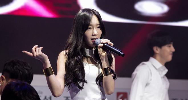 """""""Sốt bần bật"""" với 4 kiểu tóc rẽ ngôi giữa Hàn Quốc đẹp cho nữ 2018 - Ảnh 2"""