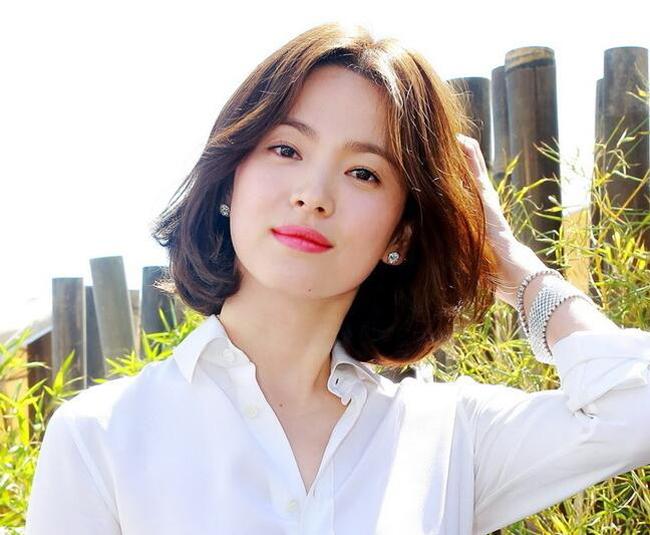 """""""Sốt bần bật"""" với 4 kiểu tóc rẽ ngôi giữa Hàn Quốc đẹp cho nữ 2018 - Ảnh 5"""