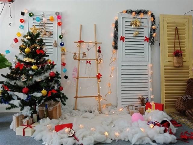 Những hộp quả nhỏ đầy màu sắc này sẽ khiến văn phòng ấm cúng và nhiều không khí Giáng sinh