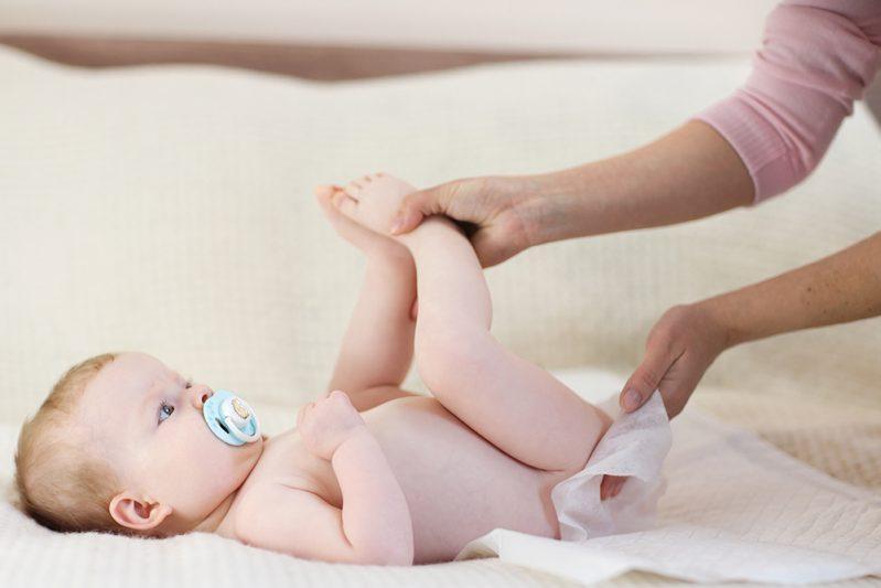 Dấu hiệu trẻ sơ sinh bị tiêu chảy mẹ nào cũng cần phải nắm rõ