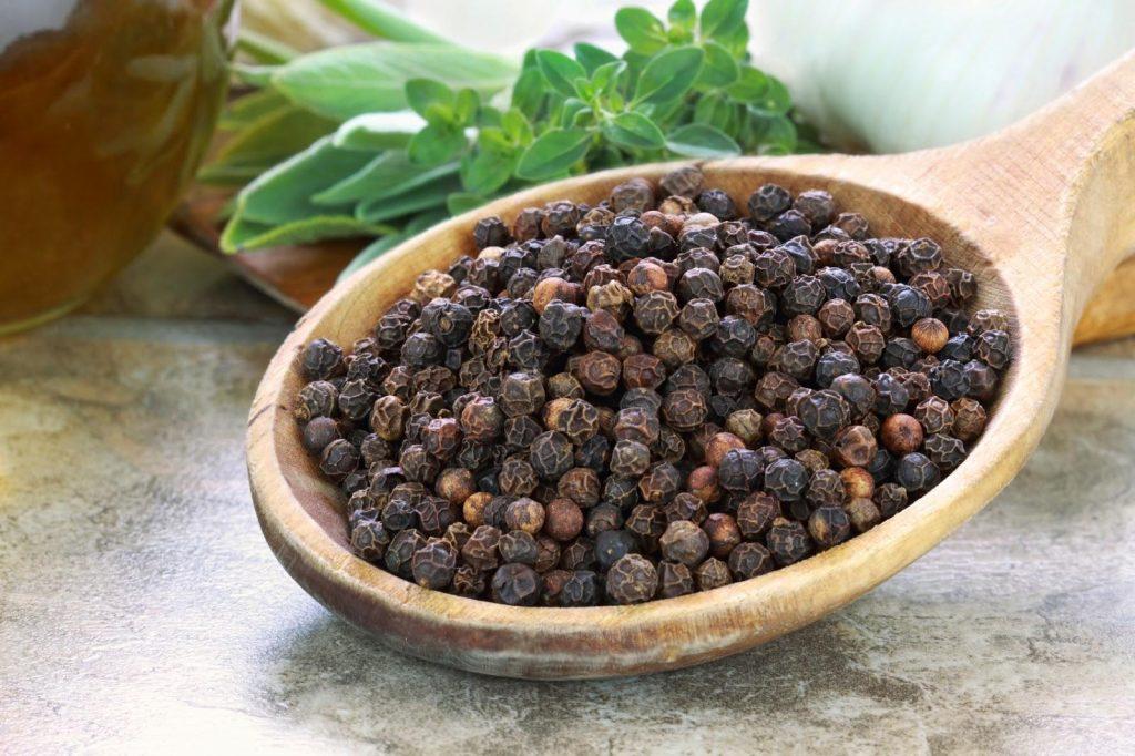 Tác dụng của hạt tiêu: Gia vị nhỏ có đến 10 lợi ích to
