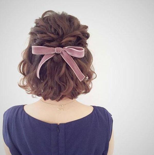 Các kiểu tóc buộc nửa đầu dễ thương, dễ làm bạn nên biết