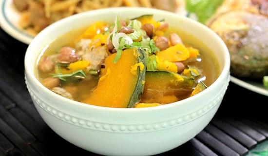 Đói cồn cào với 4 cách nấu canh bí đỏ đậu phộng ngon xuất sắc