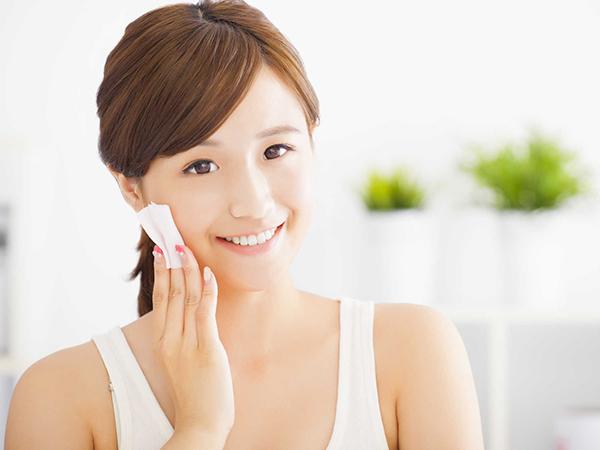 Cách chăm sóc da nhờn và lỗ chân lông to đơn giản tại nhà