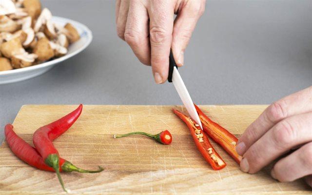 Bỏ túi cách làm hết cay ớt ở tay nhanh chóng | Phụ Nữ & Gia Đình