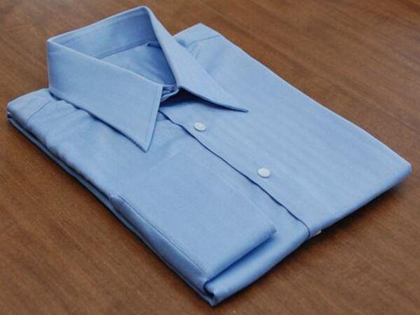 Cách xếp áo sơ mi không nhăn bằng vài bước đơn giản