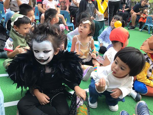 Halloween hóa trang thành gì đẹp và ấn tượng?