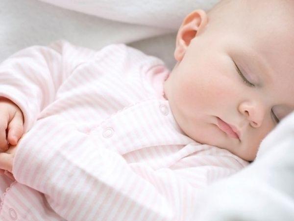 Làm cách nào để bé ngủ không giật mình, mẹ đã biết chưa?
