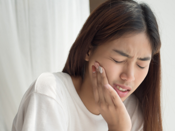 Răng khôn là gì? Mọc răng khôn bị đau thì phải làm gì?