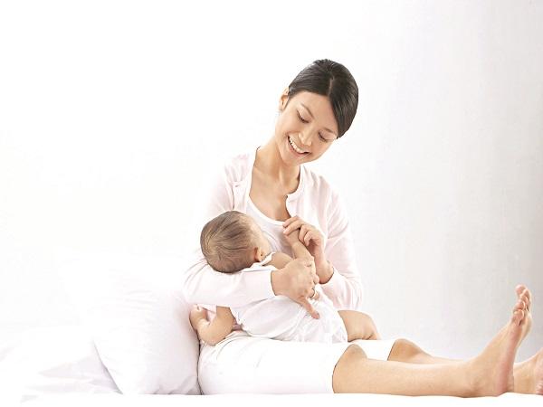 Phụ nữ sau sinh nên kiêng gì và kiêng trong bao lâu?