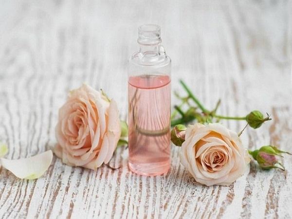 Sử dụng nước hoa hồng đúng cách đánh thức vẻ đẹp làn da