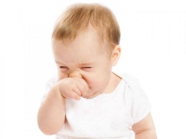 Trẻ sơ sinh bị hắt hơi sổ mũi thì phải làm thế nào?