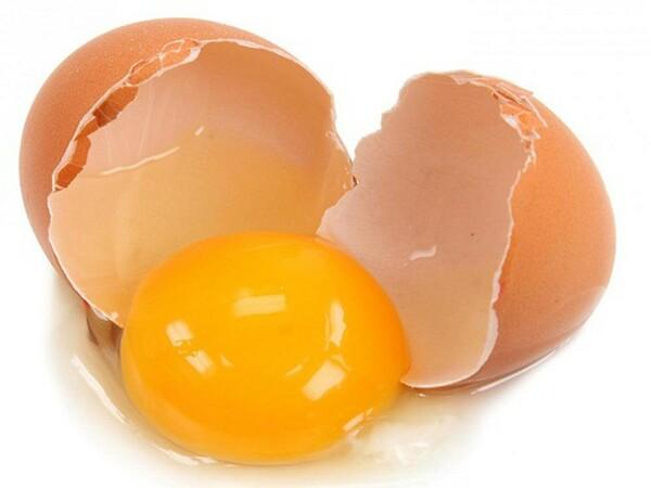 Cách trị mụn bằng lòng đỏ trứng gà hiệu quả tại nhà