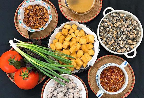 Các nguyên liệu để nấu bún ốc