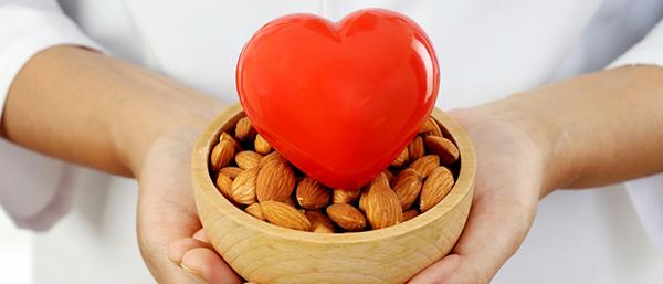 Hạt hạnh nhân tốt cho sức khỏe tim mạch