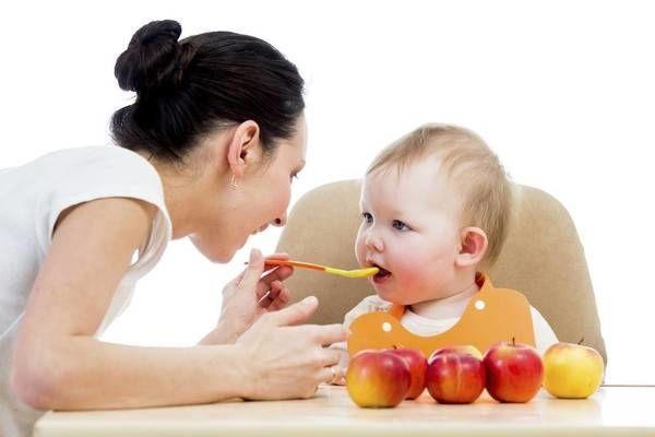 Em bé ăn dặm hồng xiêm sẽ nhanh tăng cân