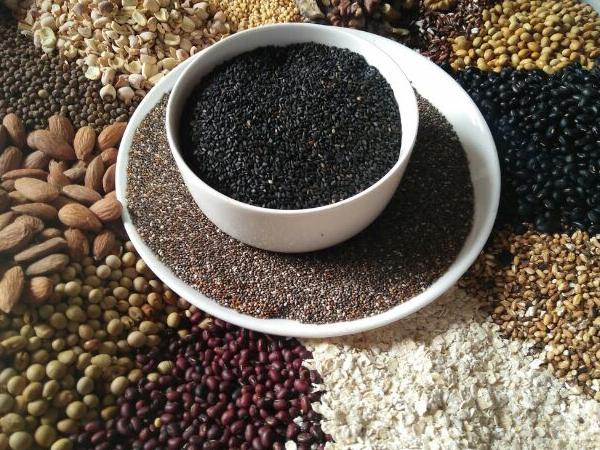 Tác dụng của trà gạo lứt đậu đen thanh nhiệt giải độc cơ thể
