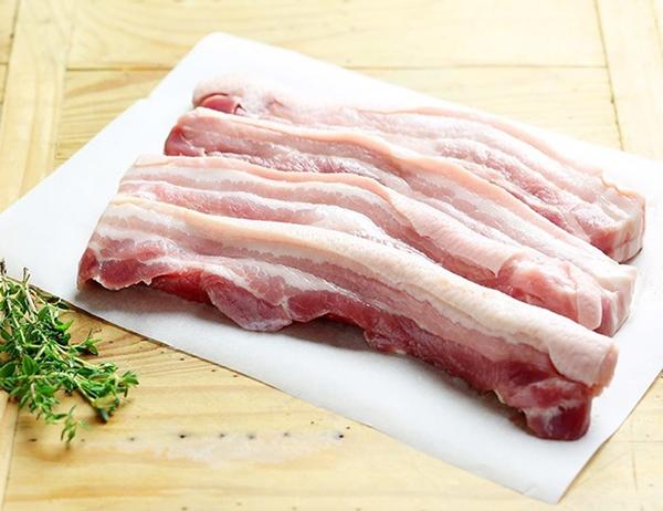 Thịt ba rọi rửa sạch