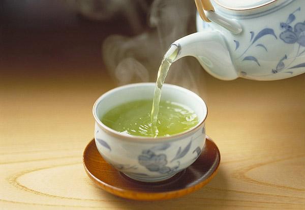 Uống trà xanh quá nhiều sẽ bị mất ngủ