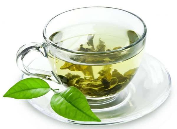 Uống trà xanh có thể trị mụn hiệu quả