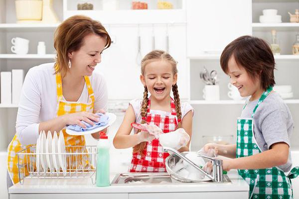 Làm việc nhà giúp bố mẹ