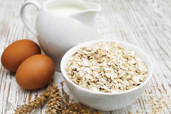 Trứng với bột yến mạch là 2 thực phẩm tốt cho bữa sáng