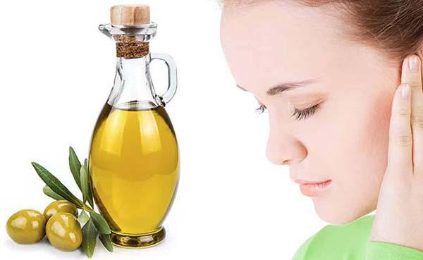 Da căng mướt khi dùng dầu oliu dưỡng da