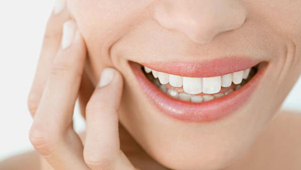 Kiên trì thực hiện bạn sẽ có hàm răng sáng bóng