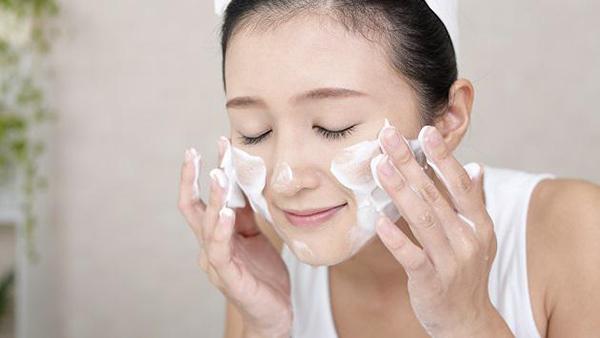 Rửa mặt làm sạch da