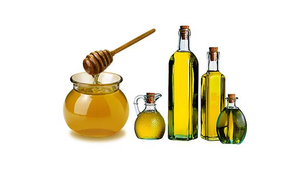 Dầu oliu và mật ong dưỡng da trắng hồng từ bên trong