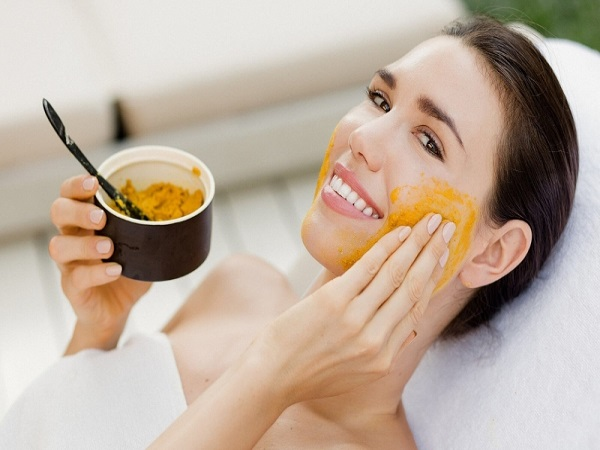 Mặt nạ nghệ mật ong - Phương thức trẻ hóa làn da an toàn cho phụ nữ Việt