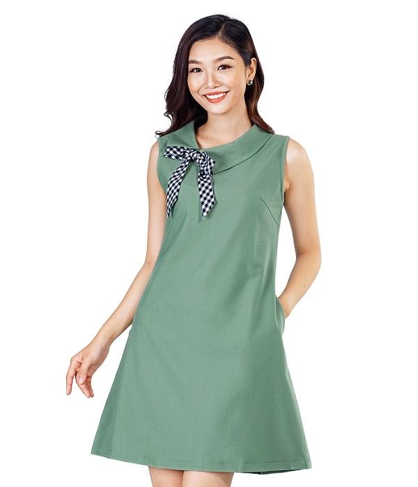 Váy liền chữ A giúp chị em tuổi 35 trông trẻ trung năng động