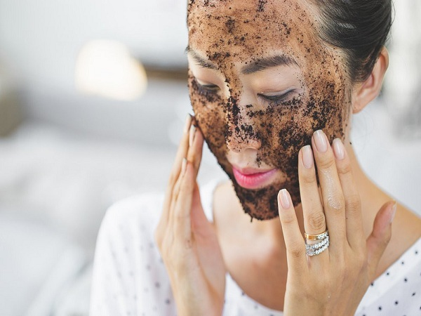 Tẩy tế bào chết bằng cà phê trao thêm sức sống cho làn da trẻ đẹp