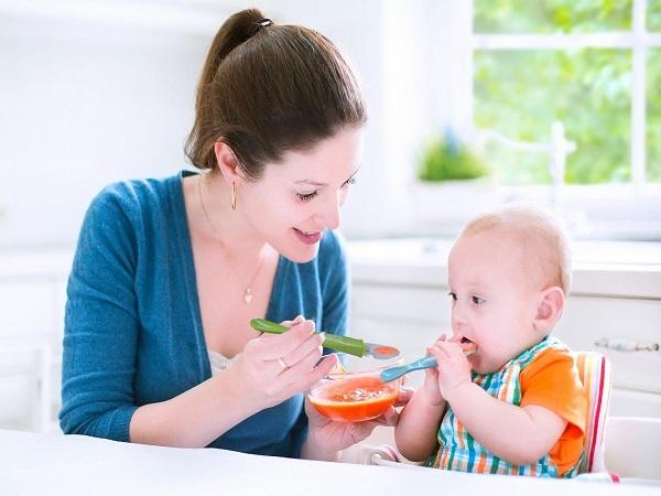 Các món cháo cho bé trên 1 tuổi ngon miệng hay ăn chóng lớn