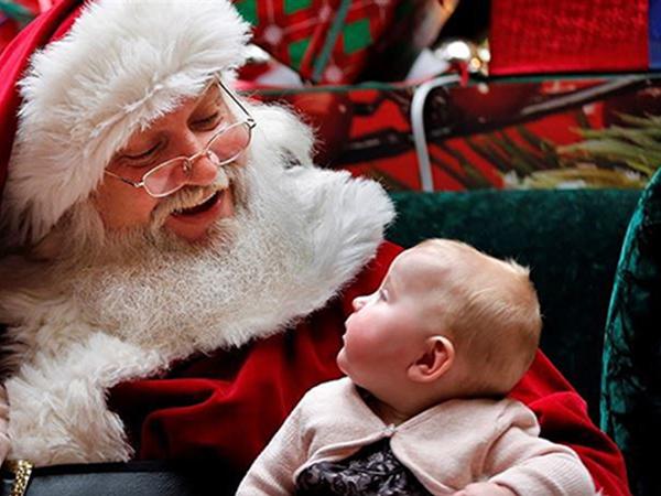 Dịch vụ ông già noel tặng quà 2018: Những điều cha mẹ cần lưu ý