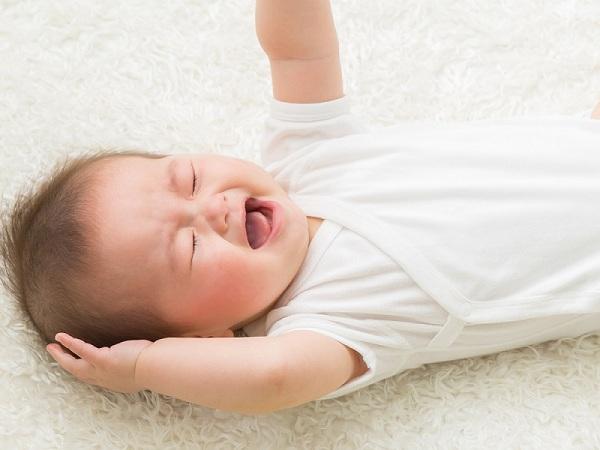 Mẹo chữa giật mình cho trẻ sơ sinh giúp con yên giấc hàng đêm