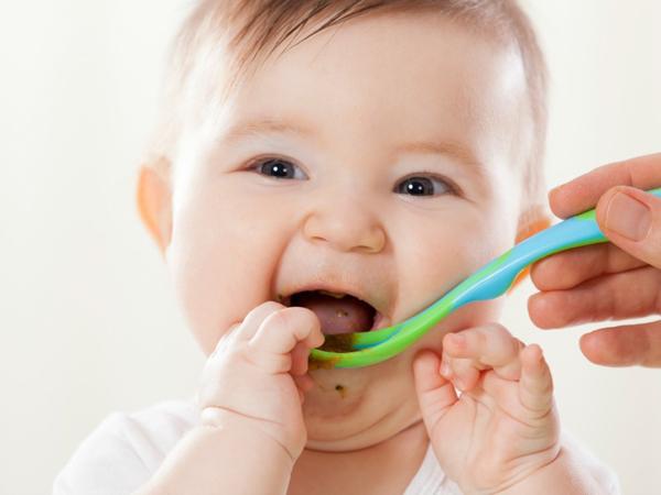 Cho trẻ ăn dặm đa dạng các chất dinh dưỡng