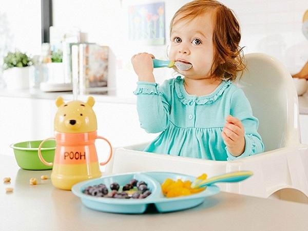 Thực đơn cho bé 13 tháng tuổi hay ăn chóng lớn