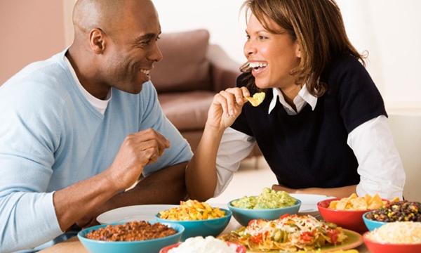 Nạp năng lương thông qua bữa ăn thịnh soạn