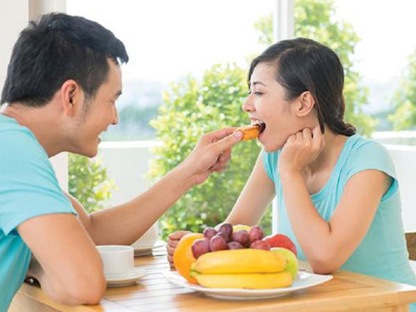 Bổ sung thêm hoa quả tốt cho hệ tiêu hóa của hai vợ chồng