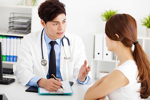 Người bệnh cần điều trị để giảm nguy cơ lây nhiễm