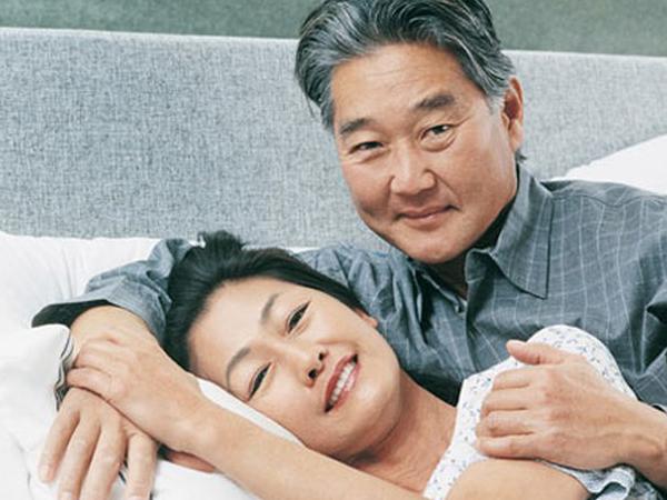 Thời gian quan hệ ở người già khoảng 20 phút là hợp lý