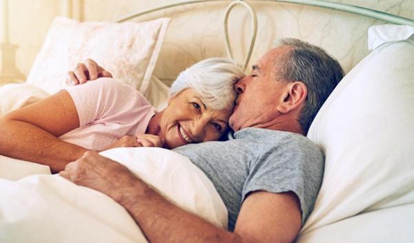 Ở tuổi già đàn ông vẫn có ham muốn và vẫn có thể làm phụ nữ mang thai
