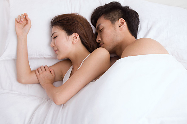 Giấc ngủ có liên quan mật thiết đến quan hệ vợ chồng