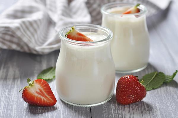 Ăn sữa chua giàu lợi khuẩn cho đường ruột