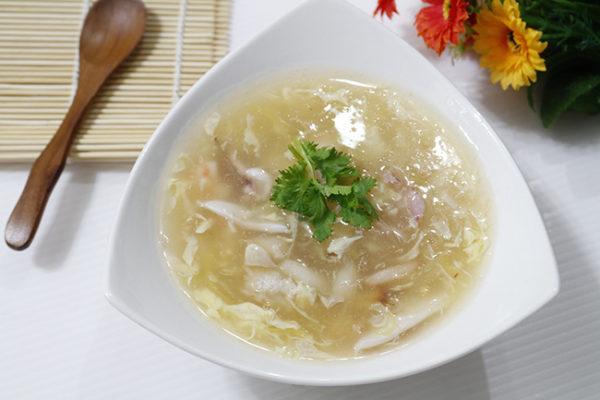Đau bụng ăn súp để dễ tiêu hóa