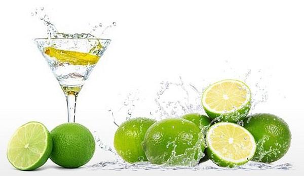 Nước chanh giúp giải nhiệt cơ thể rất tốt
